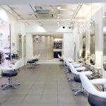 白髪染めは美容院では染まらないの?料金や頻度と実体験についても!