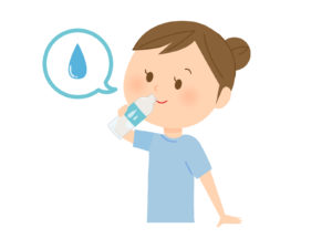 コタツ寝したら水分補給